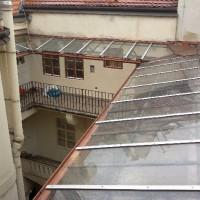 Betlémské nám 11, Praha 1 - nové zastřešení pavlačí